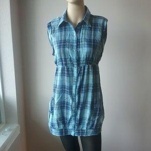 FANG Size Large Women's Button Down blouse
